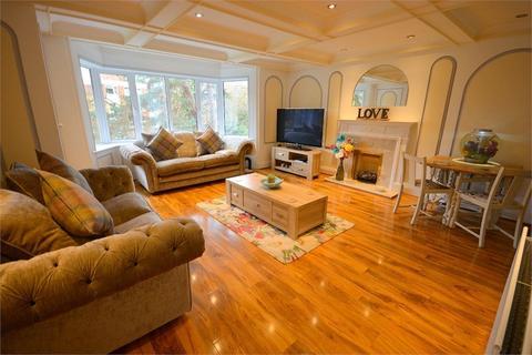 2 bedroom flat for sale - Branksome Wood Road, Bournemouth, Dorset