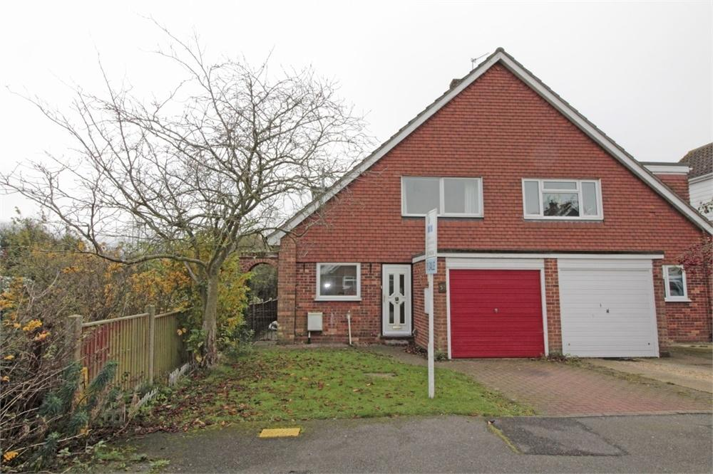 3 Bedrooms Semi Detached House for sale in Carolina Way, Tiptree, Essex