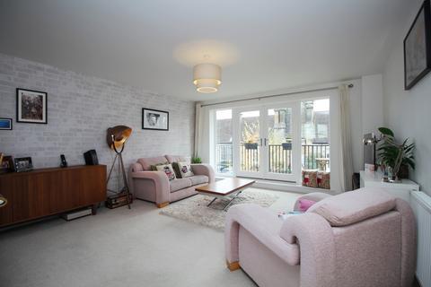 2 bedroom flat for sale - Jepson Drive Dartford DA2