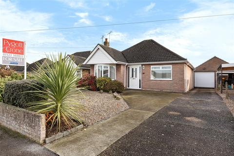 2 bedroom detached bungalow for sale - Almond Crescent, Swanpool, LN6
