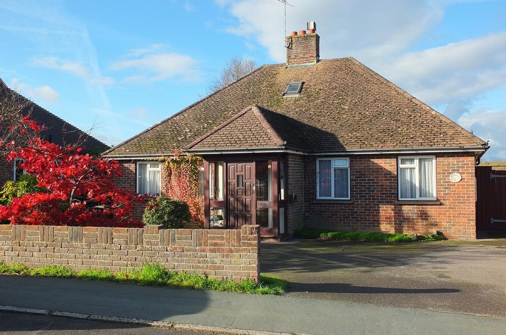 4 Bedrooms House for sale in Edward Road, Haywards Heath, RH16