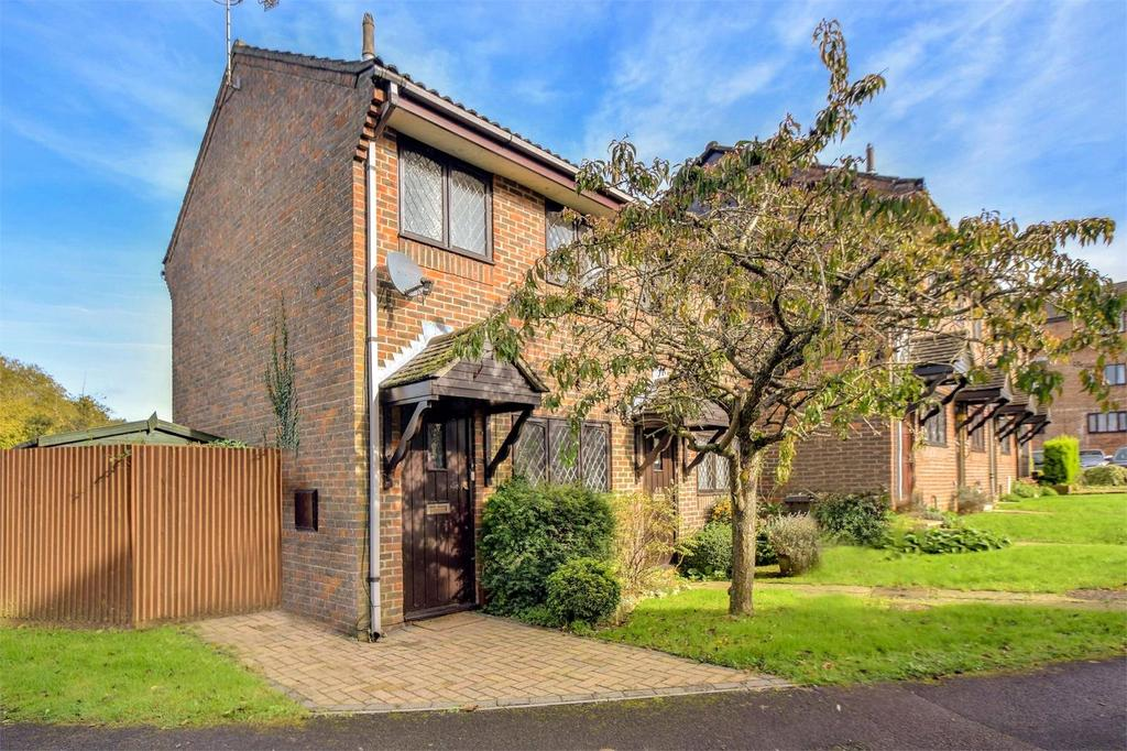 1 Bedroom End Of Terrace House for sale in Linden Drive, Liss, Hampshire