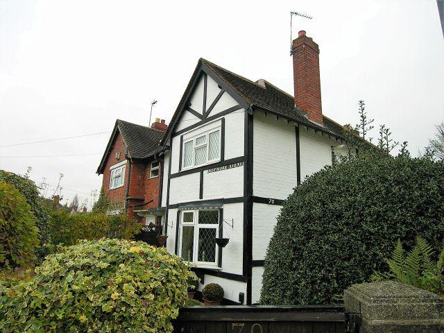 3 Bedrooms Semi Detached House for sale in Deepmore Avenue,Walsall,West Midlands