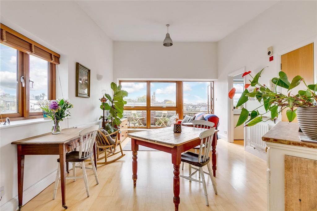 1 Bedroom Flat for sale in Almanac House, 180 East Hill, London