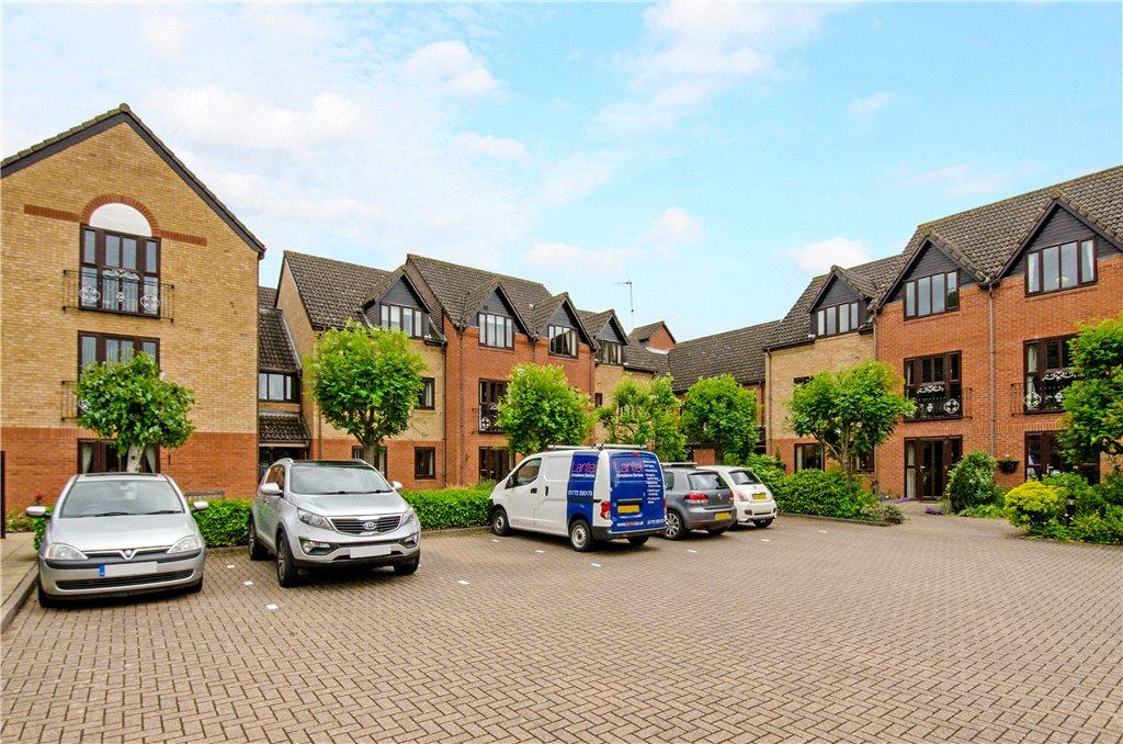 2 Bedrooms Apartment Flat for sale in Kingfisher Court, Woodfield Road, Droitwich, Worcestershire, WR9