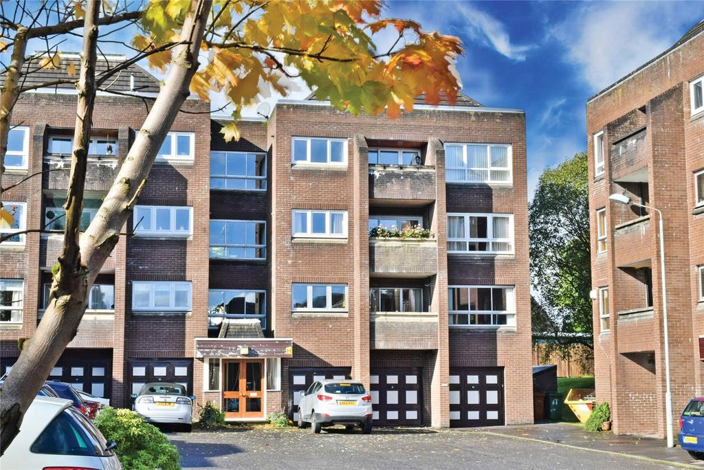 2 Bedrooms Apartment Flat for sale in Roman Court, Bearsden