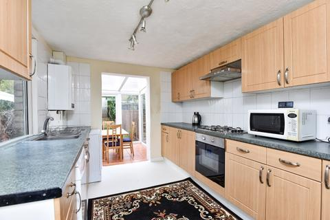 4 bedroom house to rent - Plough Way London SE16