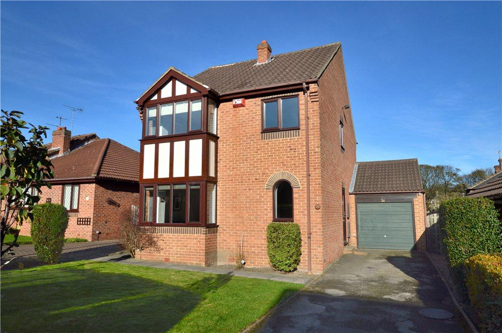 4 Bedrooms Detached House for sale in Robin Chase, Pudsey, West Yorkshire