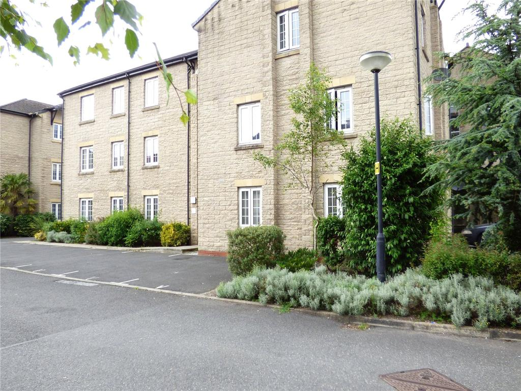 2 Bedrooms Apartment Flat for sale in Langwood Court, Haslingden, Rossendale, Lancashire, BB4