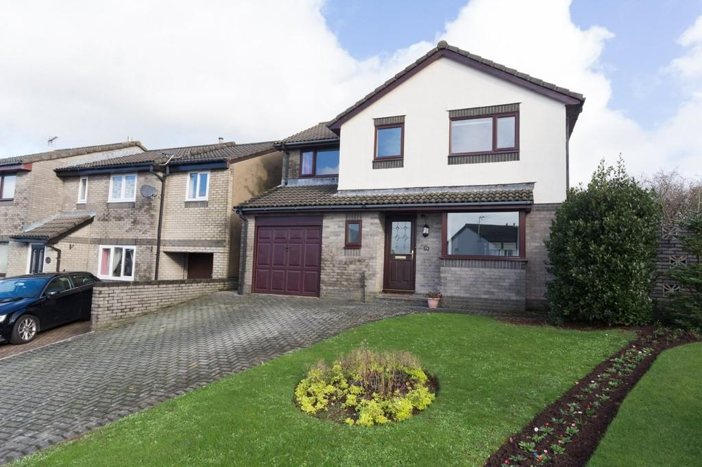4 Bedrooms Detached House for sale in Stainton Drive, Dalton-In-Furness