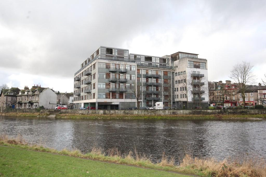 2 Bedrooms Apartment Flat for sale in 105 Sand Aire House, Kendal