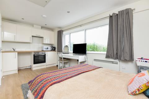 Studio to rent - Harcourt House, Cotswold Dene, Standlake