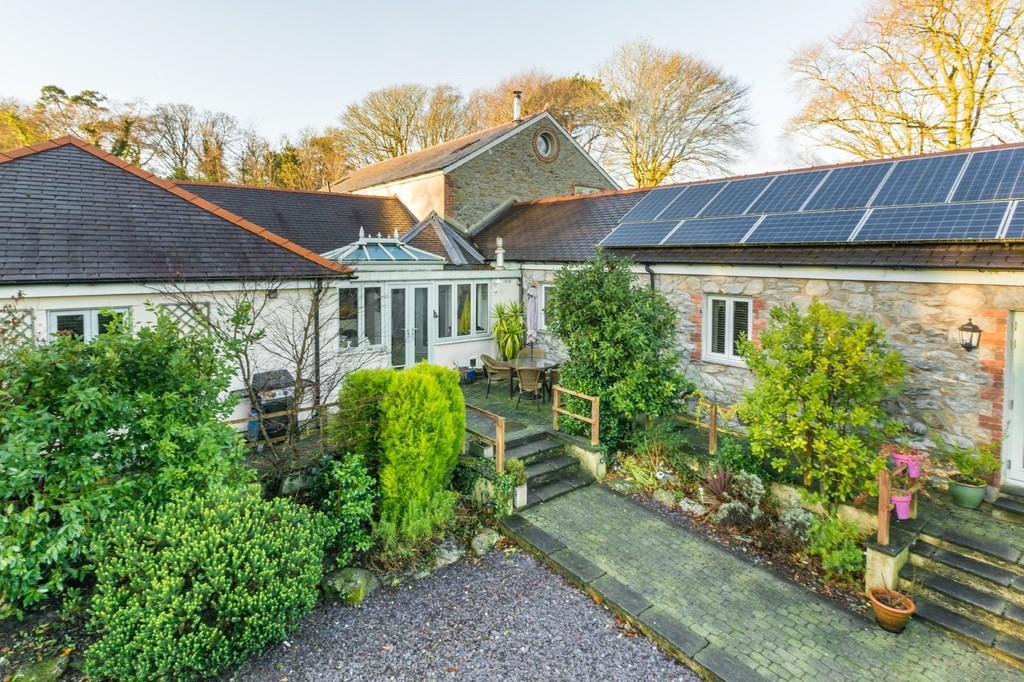 4 Bedrooms Link Detached House for sale in Llanddaniel, Gaerwen, North Wales