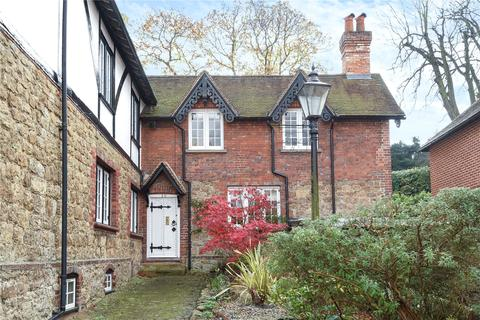 3 bedroom semi-detached house to rent - High Street, Chipstead, Sevenoaks, Kent, TN13