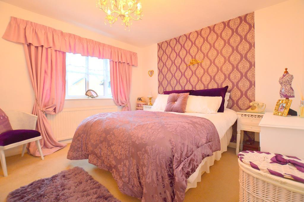2 Bedrooms Terraced House for sale in Oregon Way, Luton, LU3 4AP