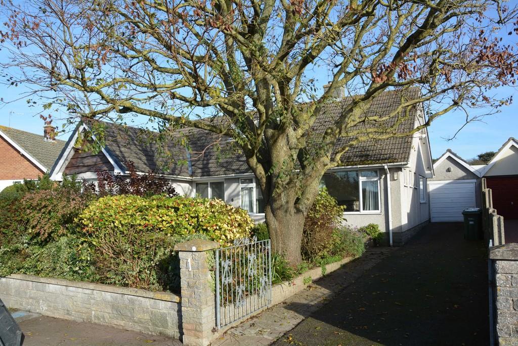 3 Bedrooms Detached Bungalow for sale in Purn Lane, Bleadon Hill, Weston-super-Mare