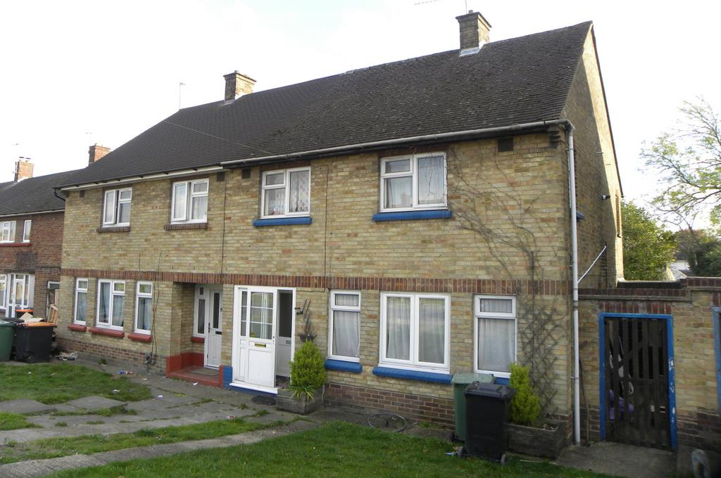 3 Bedrooms Semi Detached House for sale in Westfield Road, Dunstable