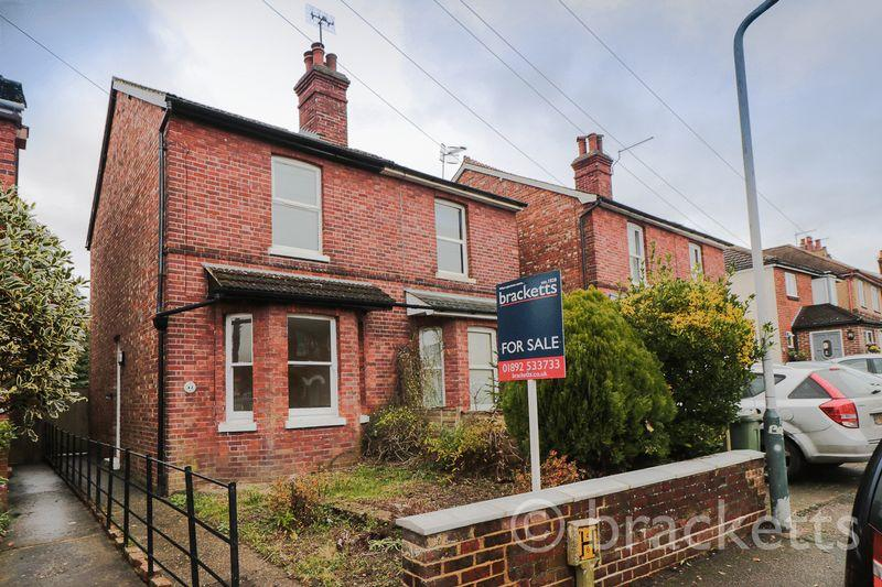 2 Bedrooms Semi Detached House for sale in South View Road, Tunbridge Wells