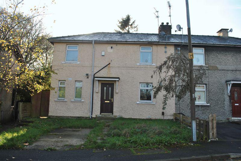 3 Bedrooms Semi Detached House for rent in Walker Avenue, Lidget Green, BD7 2PT