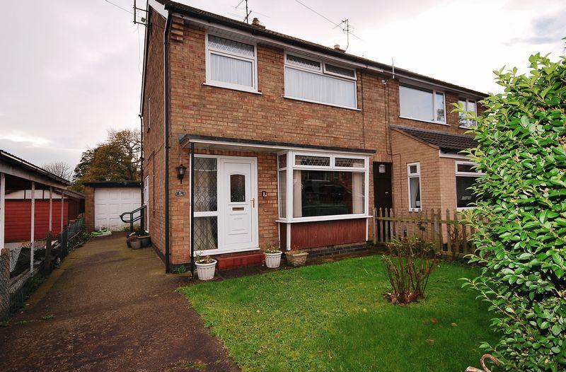 3 Bedrooms Semi Detached House for sale in Eden Close, Beverley