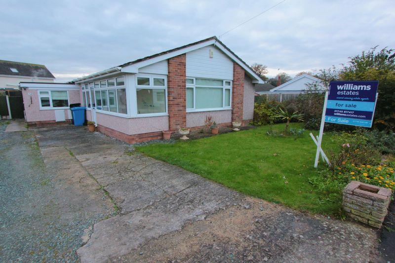 3 Bedrooms Detached Bungalow for sale in Ashly Court, St Asaph