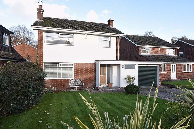 3 Bedrooms Detached House for sale in Valley Way, Knutsford
