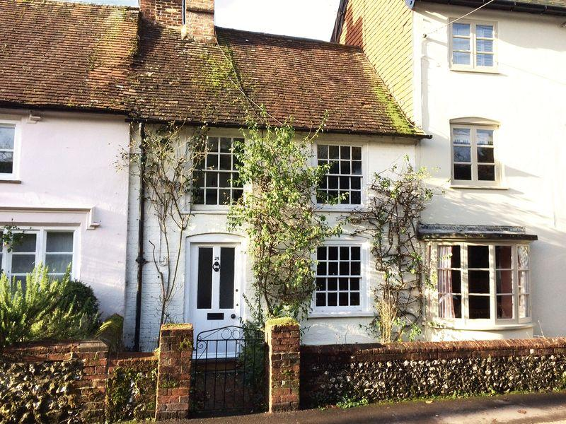 2 Bedrooms Cottage House for sale in High Street, Buriton, Hampshire