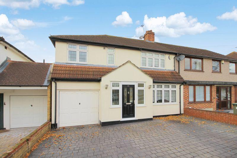 4 Bedrooms Semi Detached House for sale in Raeburn Road, Sidcup DA15 8RE