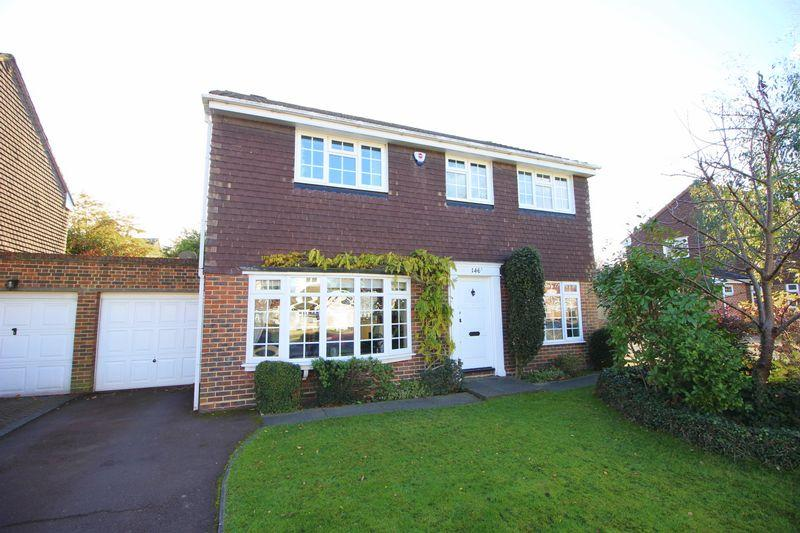 5 Bedrooms Detached House for sale in Longlands Road, Sidcup, DA15 7LF