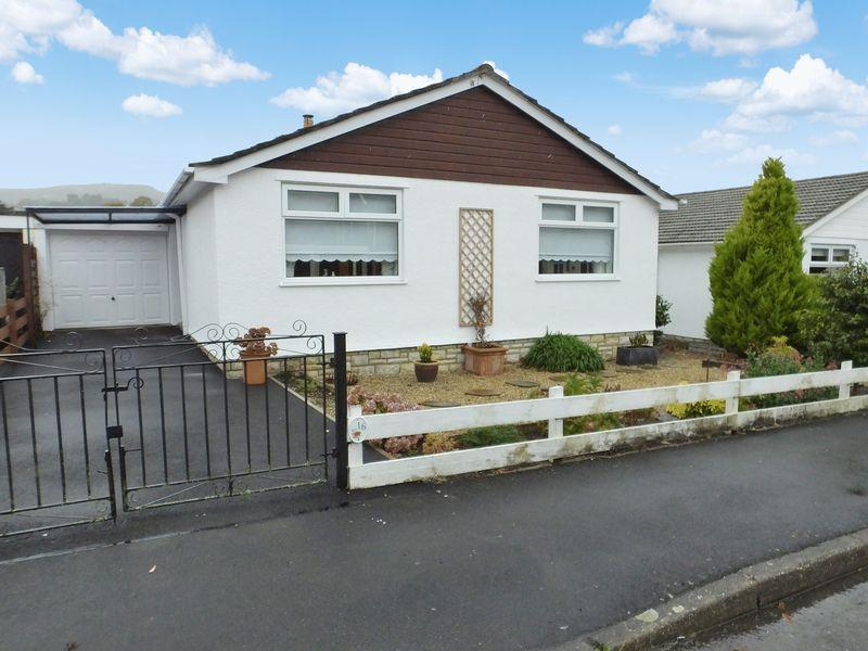 2 Bedrooms Detached Bungalow for sale in Fairhome, Abergavenny