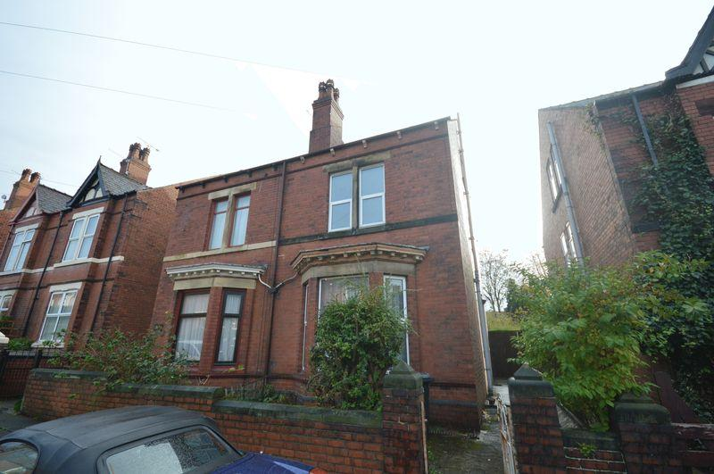 4 Bedrooms Semi Detached House for sale in Broom Grove, Broom