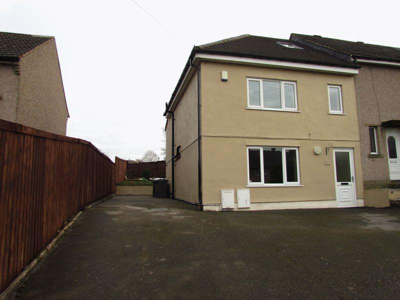 4 Bedrooms Semi Detached House for sale in Greenfield Crescent, Cullingworth