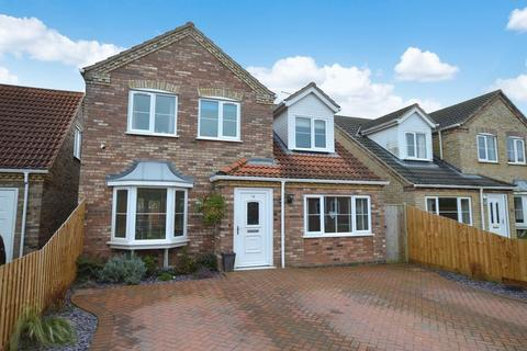4 bedroom detached house for sale - 14 Horseshoe Close, Tattershall