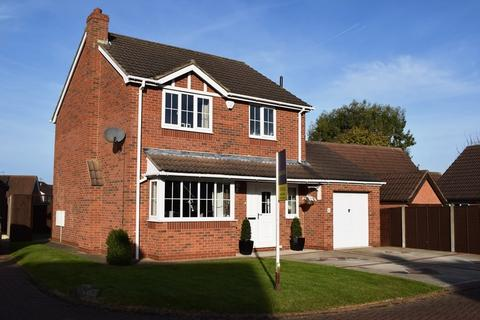 3 bedroom detached house for sale - Fountain Close, Waltham