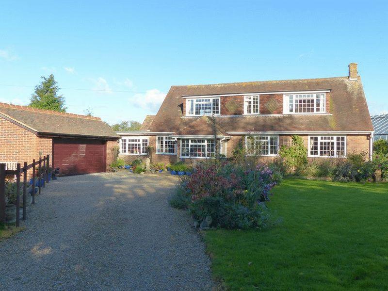 4 Bedrooms Detached House for sale in Boarmans Lane, Brookland, Romney Marsh