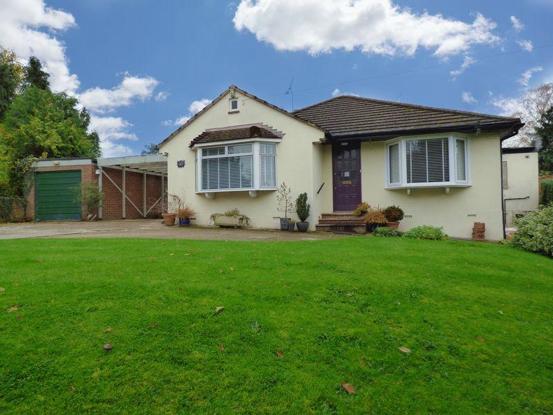 5 Bedrooms Chalet House for sale in Fetcham