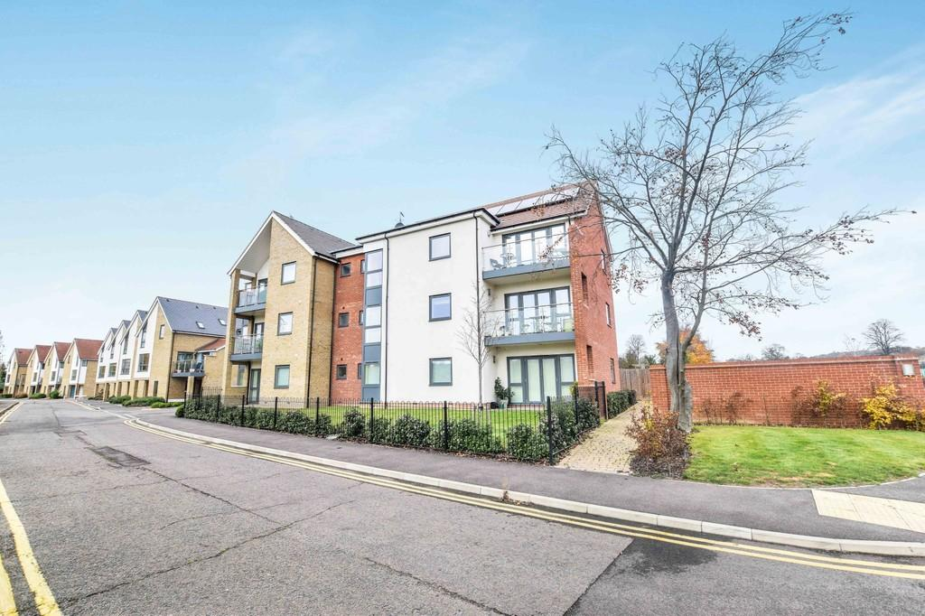 2 Bedrooms Apartment Flat for sale in Pavilion View, Colchester, CO1 1GD