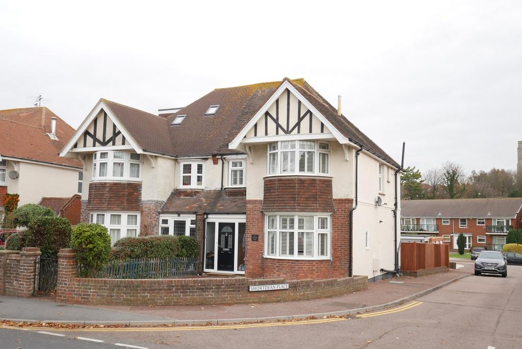 3 Bedrooms Semi Detached House for sale in Milton Road, Old Town, Eastbourne, BN21