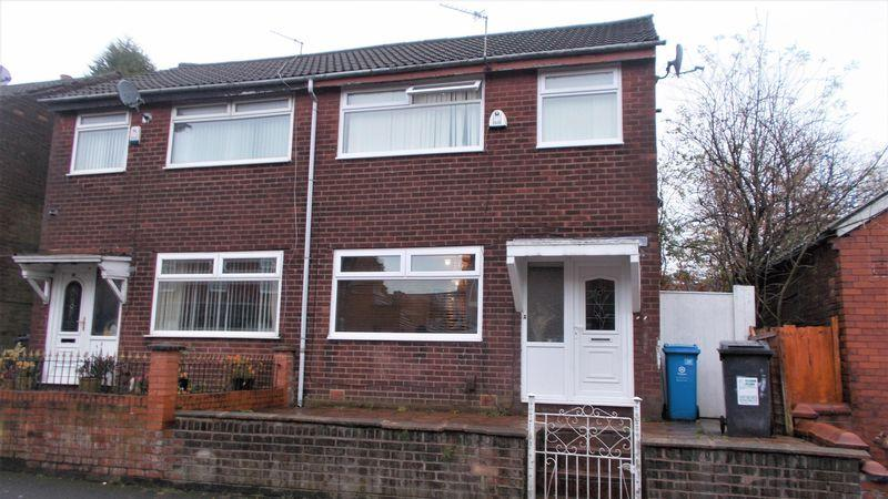 3 Bedrooms Semi Detached House for sale in Burlington Avenue, Oldham