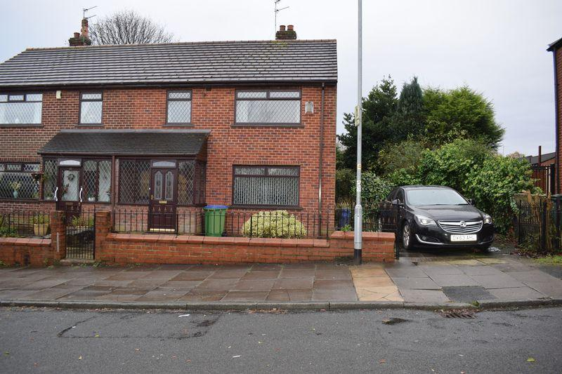 3 Bedrooms Semi Detached House for sale in Derby Street, Heywood