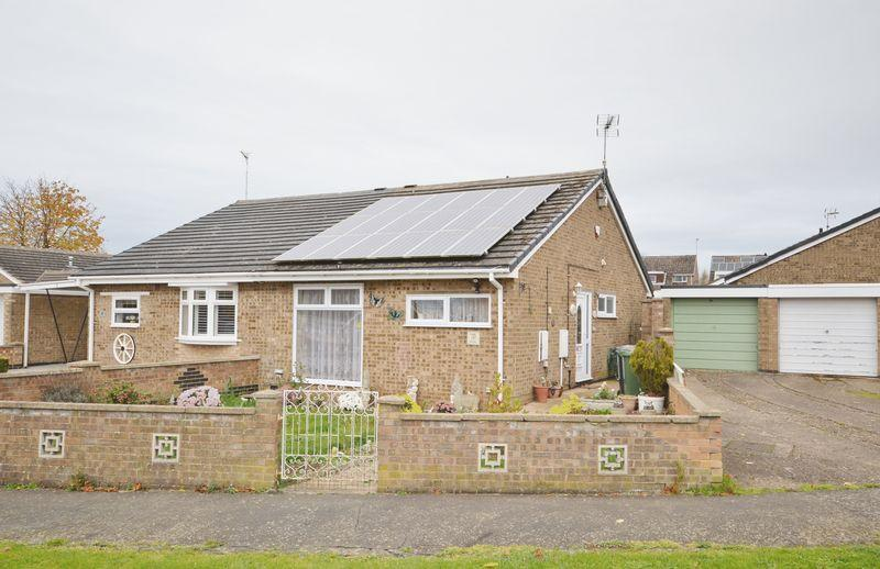 2 Bedrooms Bungalow for sale in Manor Drive, Corby