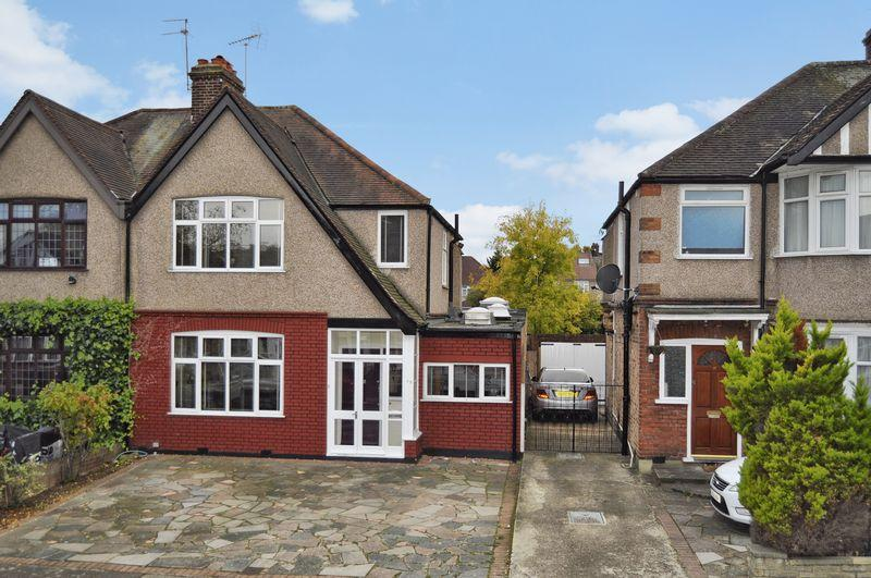 3 Bedrooms Semi Detached House for sale in Torver Road, Harrow