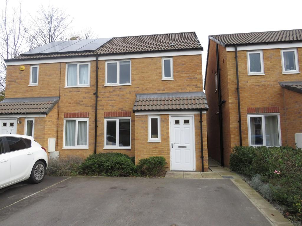 2 Bedrooms Semi Detached House for sale in Northfield Avenue, South Kirkby, Pontefract