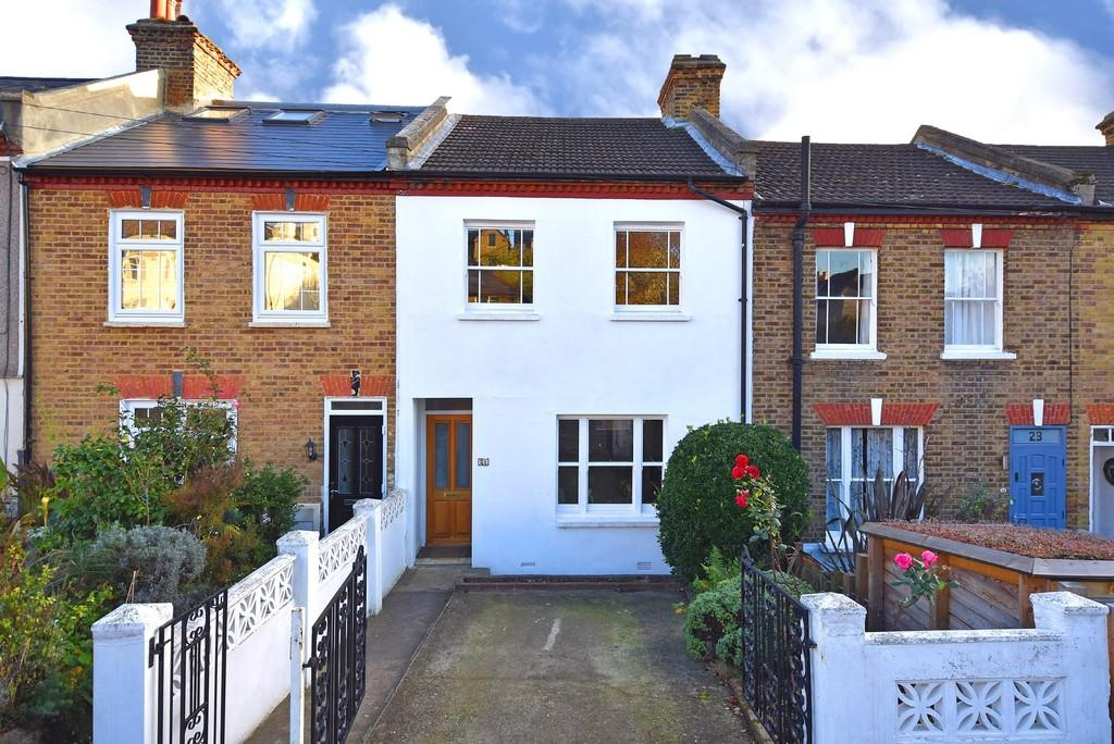 3 Bedrooms Terraced House for sale in Winterbourne Rd SE6