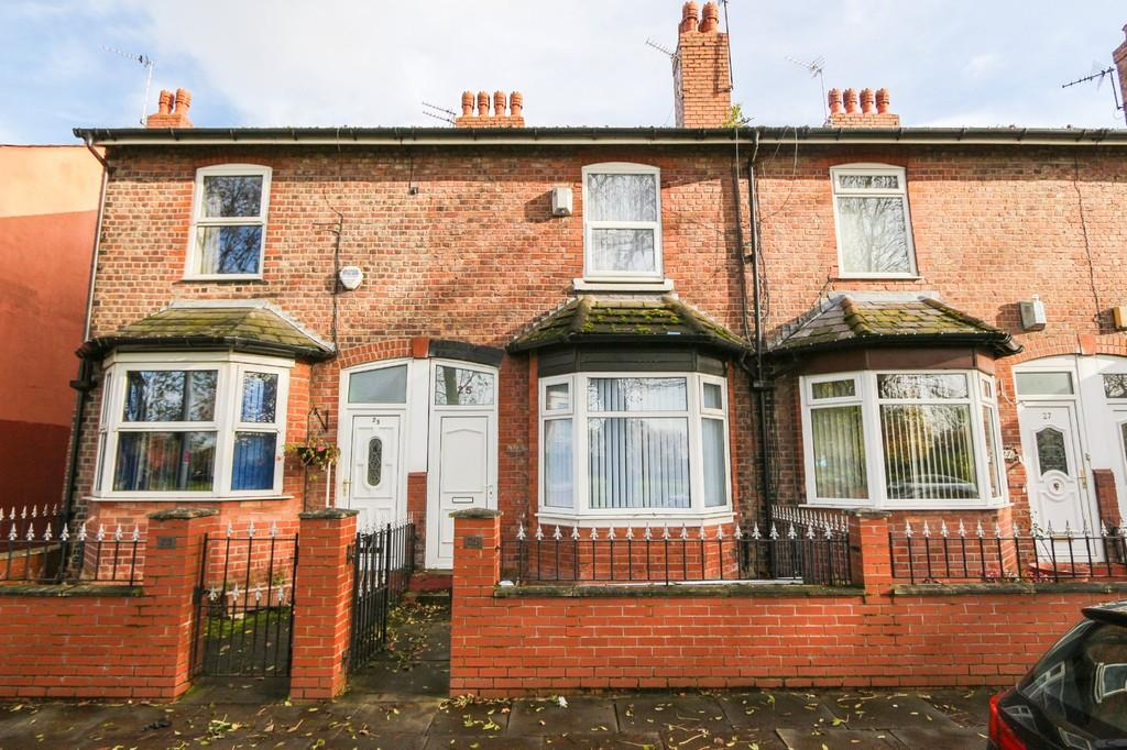 3 Bedrooms Terraced House for sale in 25 Oxford Street, Eccles, Manchester