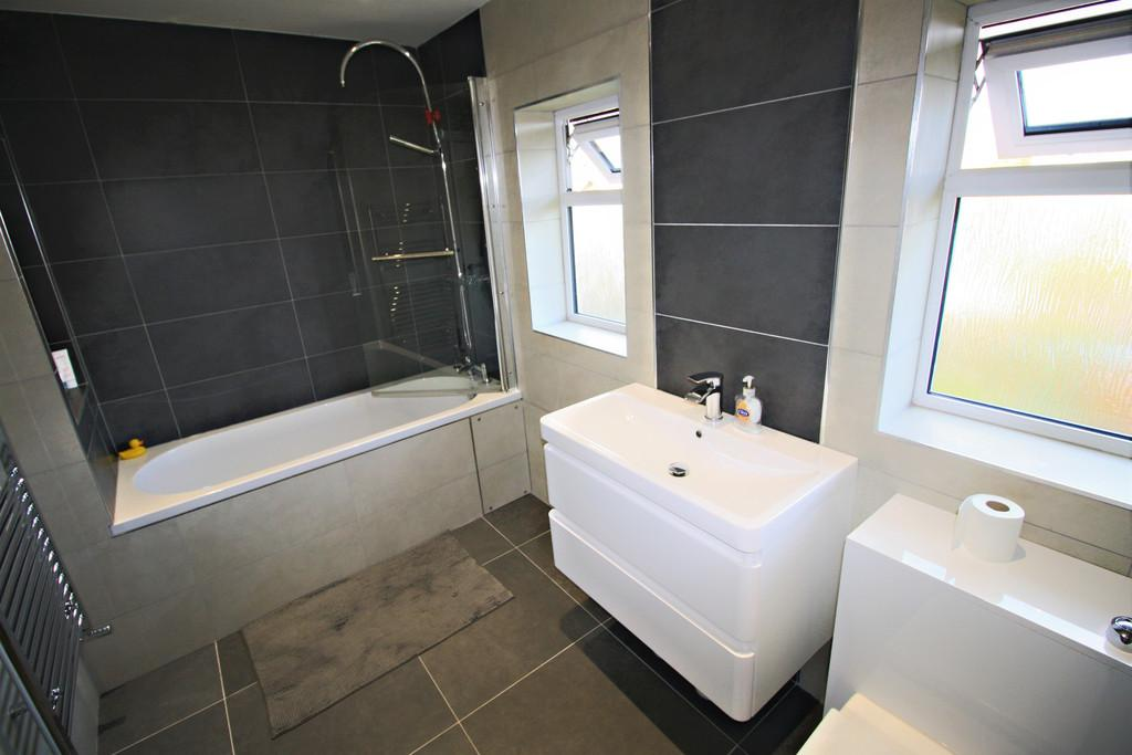 3 Bedrooms Terraced House for sale in Yewtree Close, Cardiff
