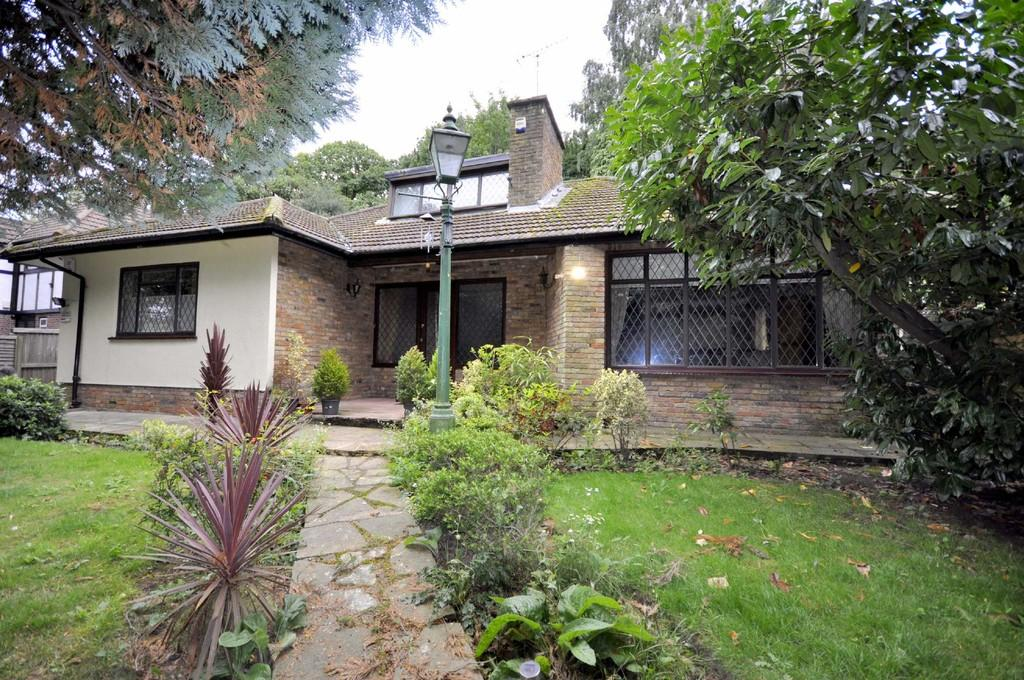 3 Bedrooms Detached House for sale in South Hill, Chislehurst