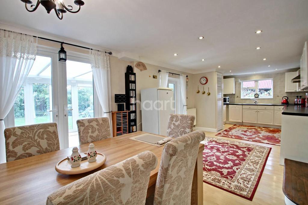4 Bedrooms Bungalow for sale in High Road, Gorefield