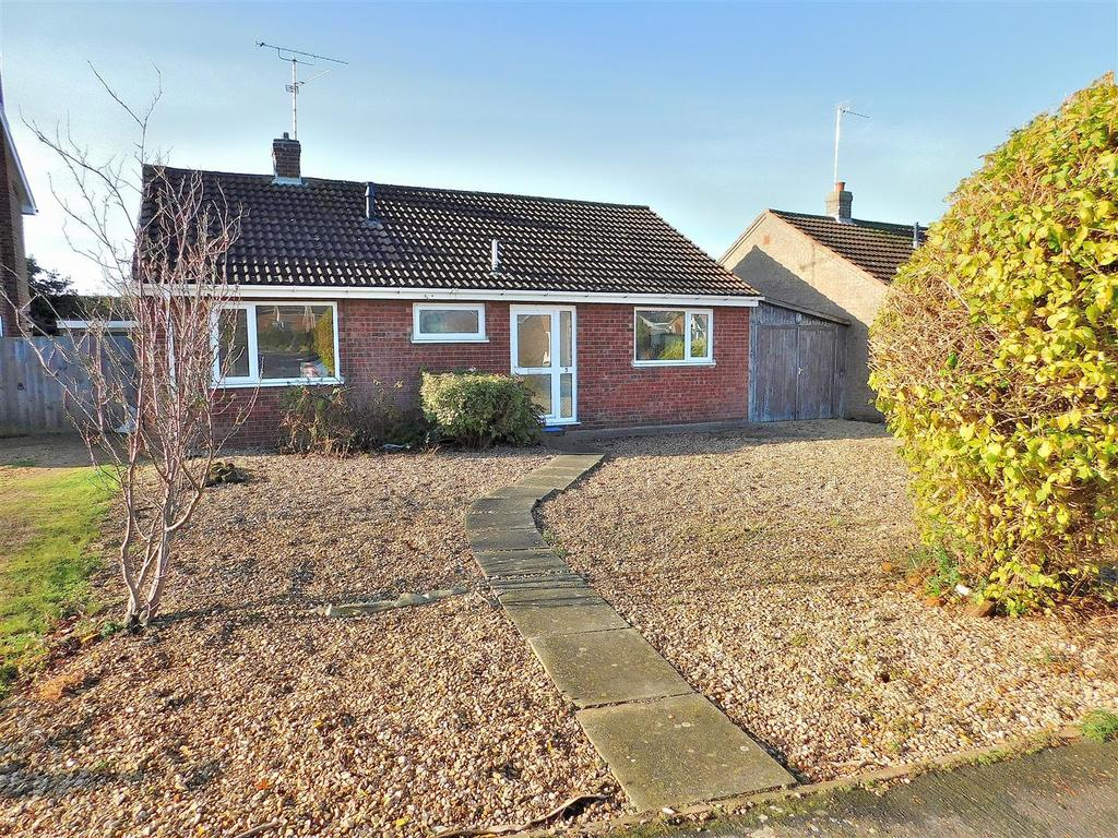 3 Bedrooms Detached Bungalow for sale in Saxon Way, Dersingham, King's Lynn