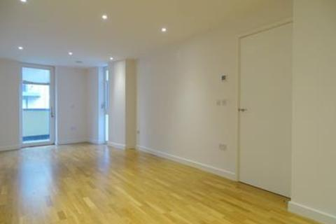 1 bedroom flat to rent - Myrtle Court, Baltic Avenue, Brentford